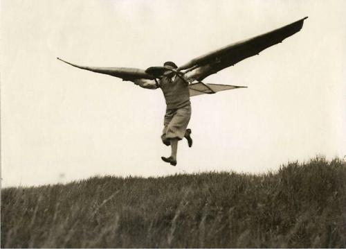 Vleugelmensen, Minuch (1932)